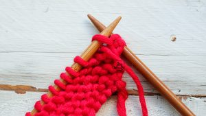 Purl stitch Free Online Knitting Course