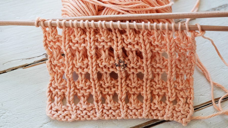 Knitting tutorial for beginners Textured Eyelets