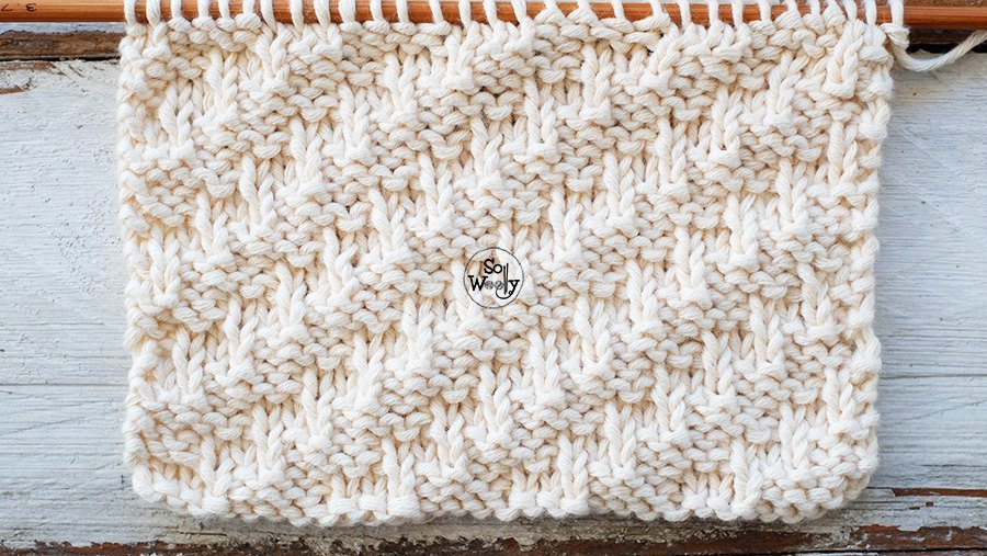Knitting stitches that don't curl for scarves cowls cushions