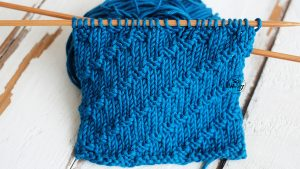 Knitting dense pattern for beginners doesnt curl