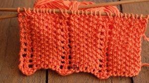 Two-rows-stitch-pattern-for-knitting-cowls-scarves-sweaters