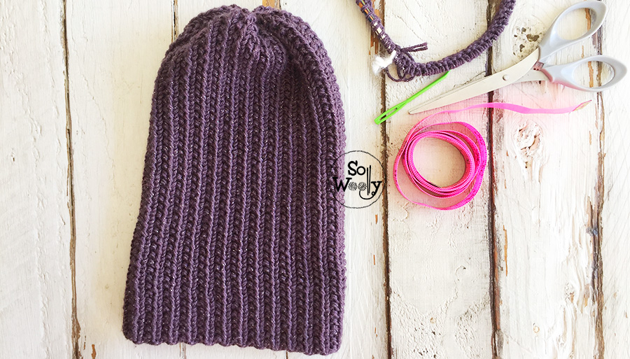 Easy Hat knitting pattern for the whole family. So Woolly.