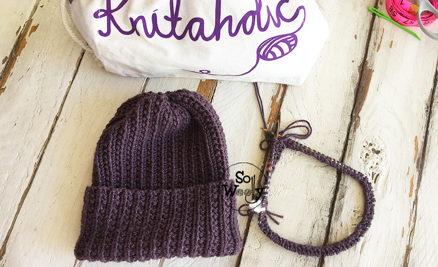 How to knit an easy reversible hat with brim, step by step. So Woolly.