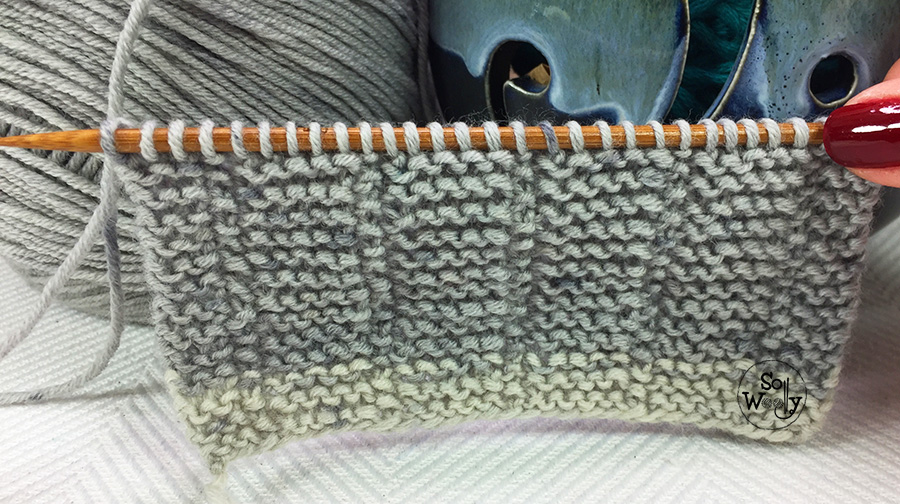 Easy knitting stitch, identical on both sides ( a one-row repeat pattern). So Woolly.