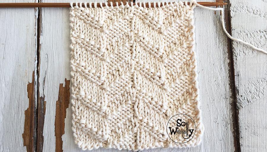 Illusion knitting stitch pattern tutorial: Reversible Chevron. So Woolly.