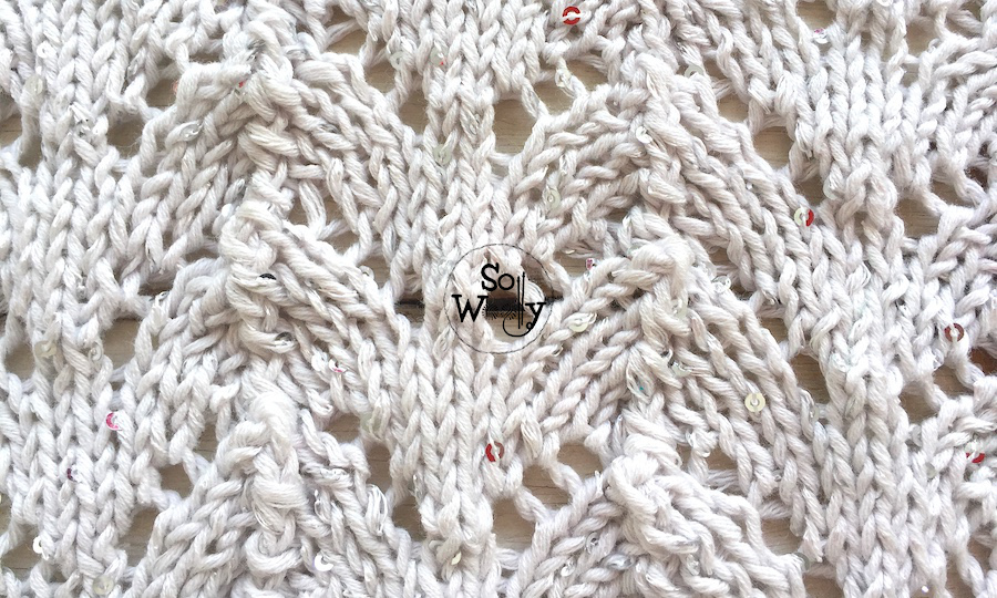 How to knit the Horseshoe lace knitting pattern, step by step. So Woolly.