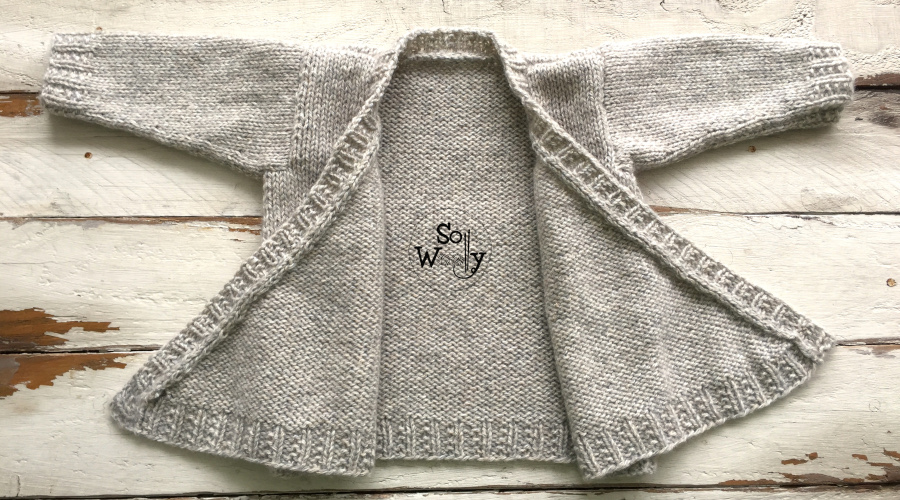 How to knit a Newborn Baby Jacket, step by step. Written instructions plus video tutorial.