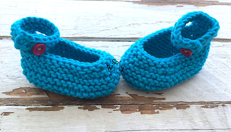 Easy Baby Shoes knitting pattern and tutorial. So Woolly.