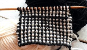 Two-color knitting stitch pattern So Woolly