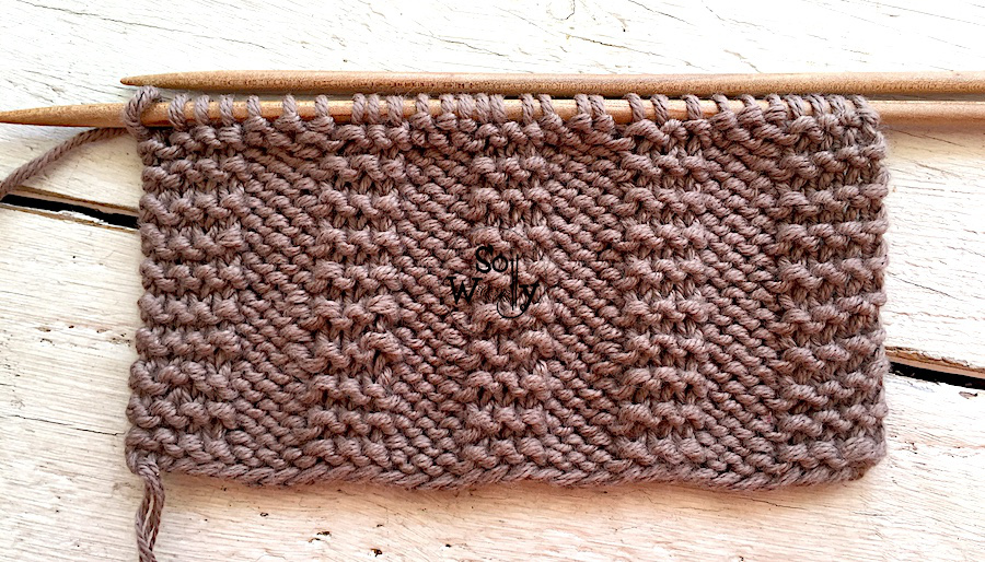 Reversible knitting patterns for beginners, step by step. So Woolly.