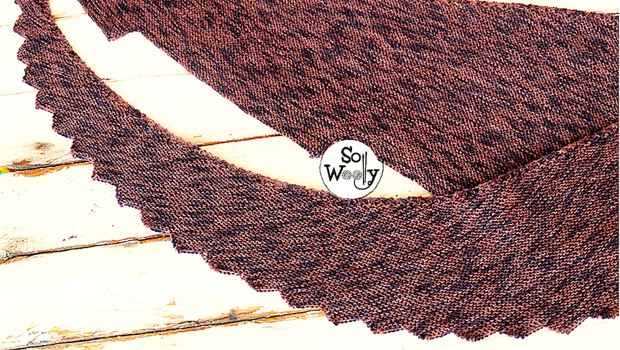 Garter stitch shawl knitting pattern for beginners, explained step by step. So Woolly.