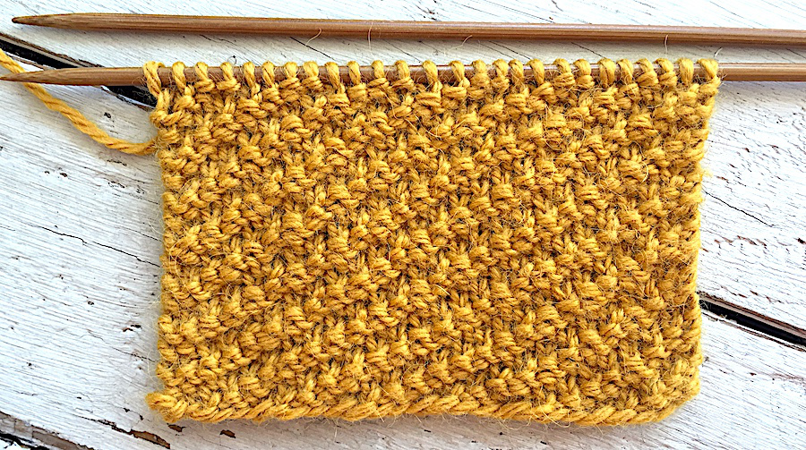 How to knit a super easy Diagonal stitch pattern ideal for beginners. So Woolly.